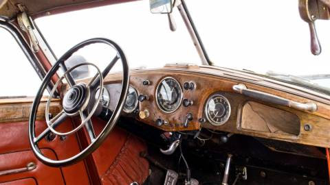 Restauration d'une automobile de collection : 50 nuances de gris ?